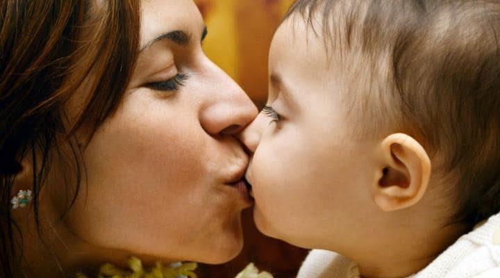 Երազահան Ծնողներին Համբուրել